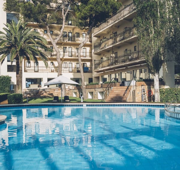 Poolbar des Hotels aya in Playa de Palma