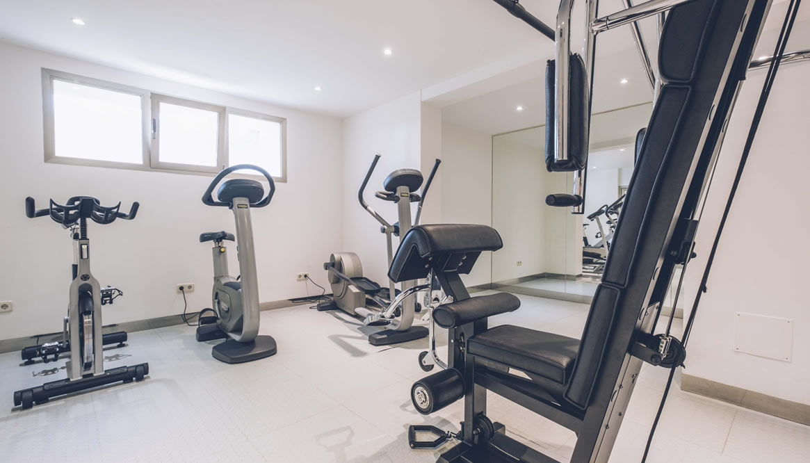 Practice sport in the gym of Hotel Aya in Playa de Palma