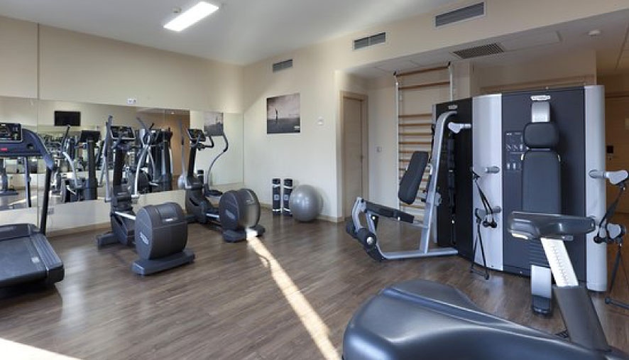 Sports at the gym of Hotel Aya in Playa de Palma